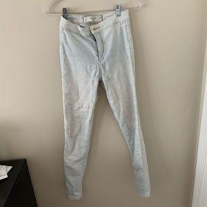 Light Wash High Waisted Jeans